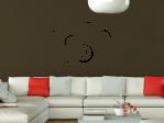 sofa_wohnzimmer_wandtattoo_dunkel_www.tocut.de